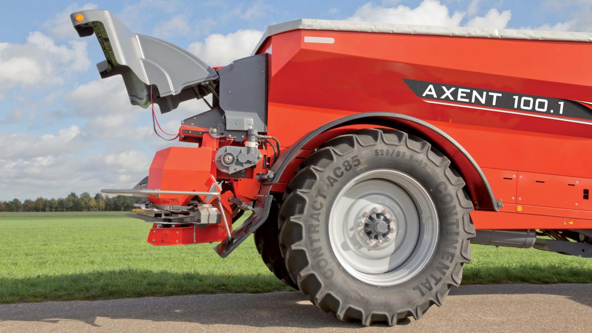 KUHN Axent™ 100 1 Trailed Precision Fertilizer Spreaders | Kuhn