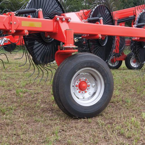 KUHN SR 600 Series SpeedRake® Wheel Rakes | Kuhn
