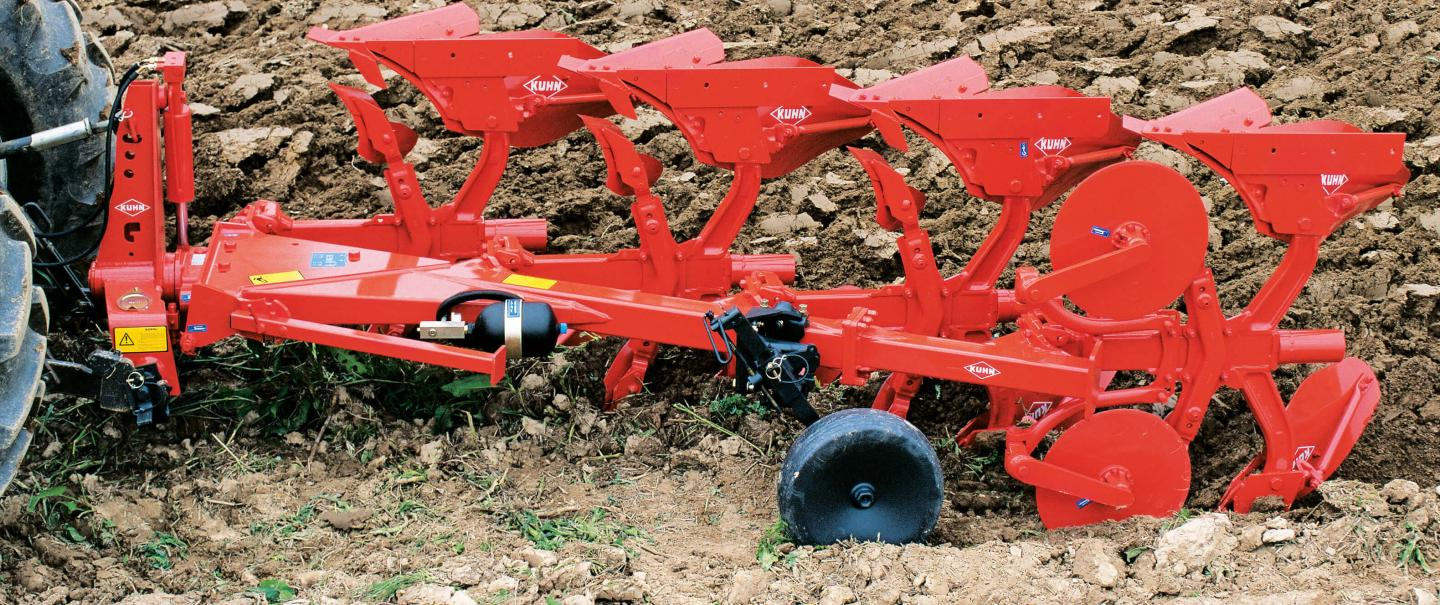 Master 103 Series plow at work